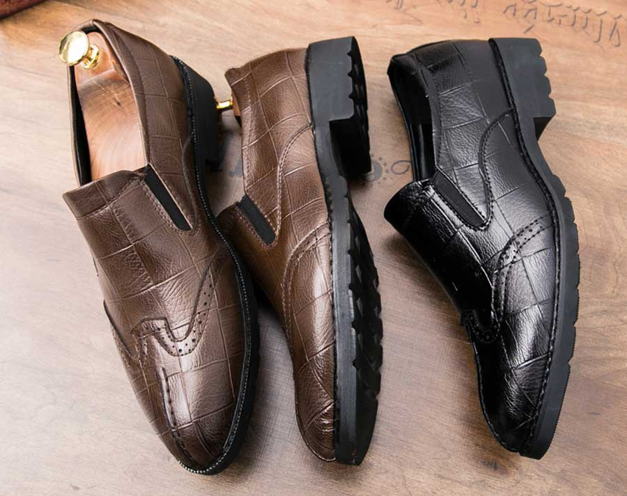 Men's brogue leather slip on dress shoes check detail