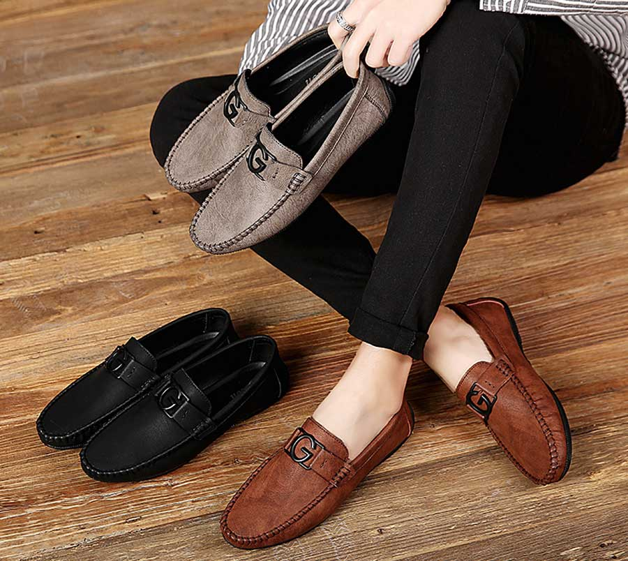 Men's leather slip on shoe loafers with G buckle
