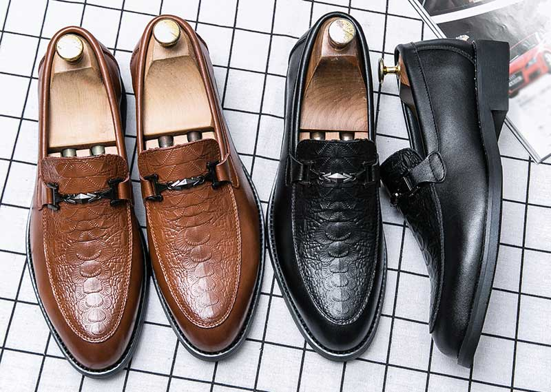 Men's metal buckle croc skin pattern slip on dress shoes